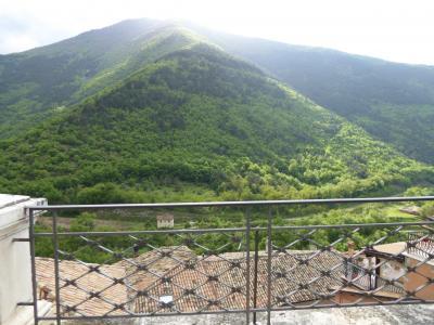 春の優雅なアブルッツォ州/モリーゼ州 古城と美しき村巡りの旅♪ Vol219(第8日) ☆Pettrano sul Gizio:美しき村「ペットラーノ・スル・ジツィーオ」優雅にさまよい歩く♪