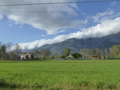 春の優雅なアブルッツォ州/モリーゼ州 古城と美しき村巡りの旅♪ Vol223(第8日) ☆Pacentroから黄昏風景の中をSulmonaへ♪