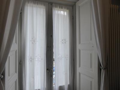 春の優雅なアブルッツォ州/モリーゼ州 古城と美しき村巡りの旅♪ Vol255(第9日) ☆Scanno:スカンノ旧市街内ホテル「Il Palazzo Scanno」スイートルームはエレガントな雰囲気♪