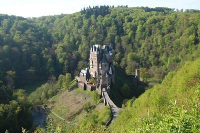 お城だらけのドイツ旅行(2)優美なエルツ城&おとぎの国のようなコッヘム