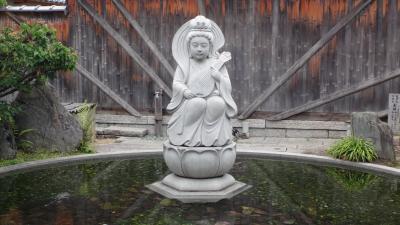 伊丹散策(3) 金剛院と猪名野神社の参拝。