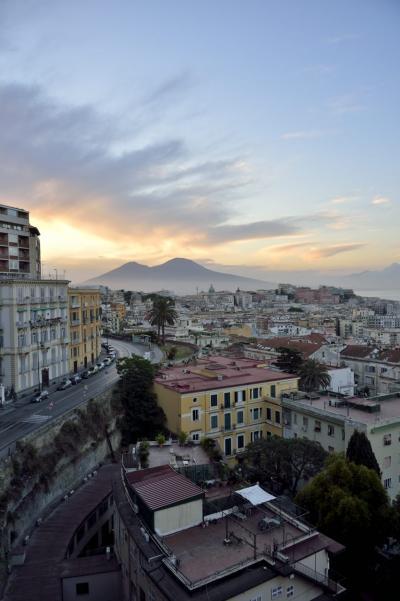 二度目の南イタリアは「絶景を楽しむ」がテーマ ~PART1(ナポリの絶景の宿はグランドホテル・パーカーズ)