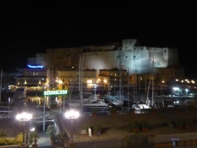 春の優雅なアブルッツォ州/モリーゼ州 古城と美しき村巡りの旅♪ Vol356(第12日) ☆Napoli:「グランド・ホテル・サンタ・ルチア」ジュニアスイートルームから最後の夜景♪