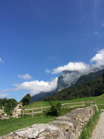 いつかある日ではおそい!スイスへGO! vol.31 口笛はなぜ~♪ 爽やかに澄みわたるアルムのハイキング♪①