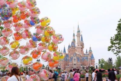 三姉妹週末上海ディズニー空いてなんてなかった!1日目