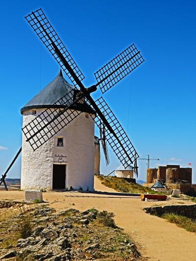 Spain44 ラマンチャ 白い風車 塔屋内を見学 ☆石臼で製粉する機構も
