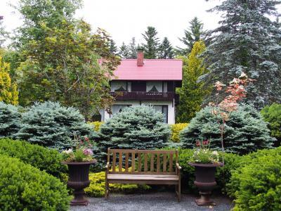 北海道ガーデン街道巡り 真鍋庭園、十勝ヒルズ、六花の森、風のガーデン