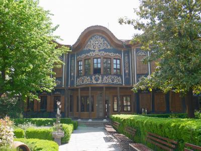 何となくブルガリアに行ってみました<4>~多民族ツアーで古都を訪ねる