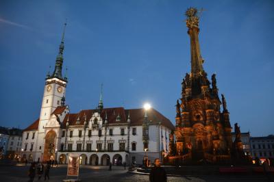 様々な様式の建築が並ぶ美しいチェコの街、オロモウツ
