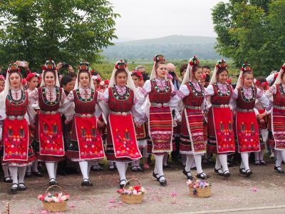 ブルガリア・ルーマニア2300Km巡り旅 ⑦カザンラク・バラ祭り