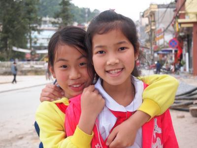 「インドシナを旅し様々な風景や人々に出会う、長い長い夢を見て、私はまどろんでいたのだろうか?」(9)沢山の美しい笑顔とショッキングな市場に出会う☆ベトナム・サパ