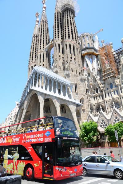妻と行くスペイン(2-②) これは楽チン! 二階建てオープンバスからバルセロナ市街を高みの見物