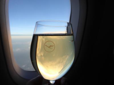 プーリア州優雅な夏バカンス♪ Vol1(第1日) ☆Tokyo(Haneda)→Napoli:東京からルフトハンザ航空ビジネスクラスで優雅にナポリへ♪