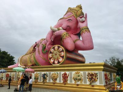 還暦間近のおっさんがタイ初心者なのに一人でバンコクへ行ってきた・完(ピンクのガネーシャ、ワットフアランポーン、その他備忘録)