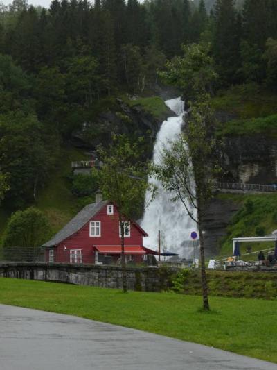 ノルウェー 滝と展望台を巡って 前編