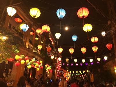 ベトナム再訪中部シリーズ(1) 憧れのホイアン、ランタン祭り