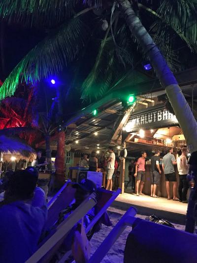 2017年7月【No.1】ランカウイ3泊5日の旅☆1日目~免税の島ランカウイに到着!ビーチバーでビール天国♪ Casa del Marに滞在