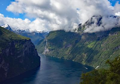 ガイランゲルフィヨルド: 観光、そして女王様お気に入りのスカゲフラ、さらにHomlongsetraへのハイキング