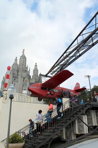 2歳子連れ ベビーカーでめぐるGWスペイン・ポルトガル Day4 バルセロナ 山の上のレトロ遊園地