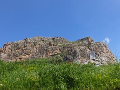 中央アジアの悠久のシルクロードを巡る~オシュとスレイマントーを歩く