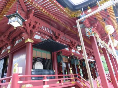 心臓破りの急階段を登って塩竈神社へ