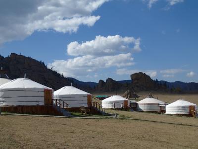 あっという間に別世界:初夏のモンゴル