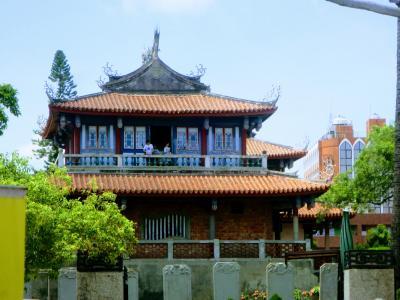 台北・台南 を周遊する  その4 度小月、関帝廟、赤嵌楼