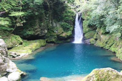 初めての四国旅行はピンポイント (4)仁淀ブルーを垣間見た「にこ淵」