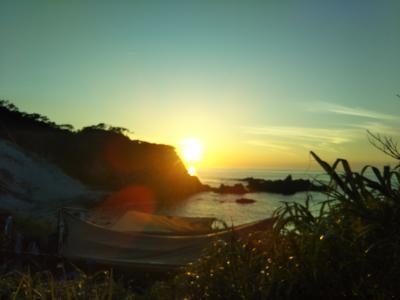 式根島でキャンプ4泊5日:2日目泊海水浴場~海中温泉めぐり