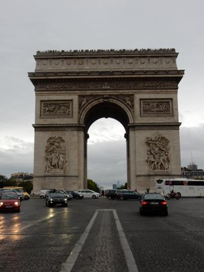 初めてのパリ&モンサンミシェル 4日目 パリ市内観光(オルセー美術館、コンシェルジュリー、凱旋門)