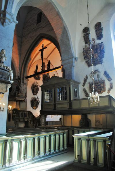 エストニアへ! その3 エストニアの首都タリンの旧市街散策 アレクサンドルネフスキー聖堂、トームペア城、大聖堂(トームキリク)へ。