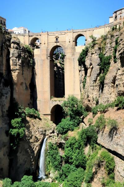 気ままなスペイン一人旅、マラガからロンダ・セテニル日帰り観光
