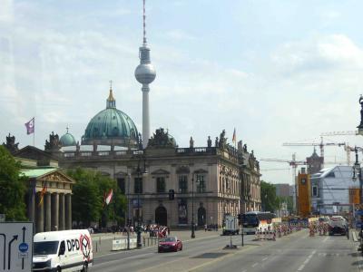 2016.5 最終日は200番バスでベルリン歴史地区観光 & 近々閉鎖されるベルリンテーゲル空港から帰国