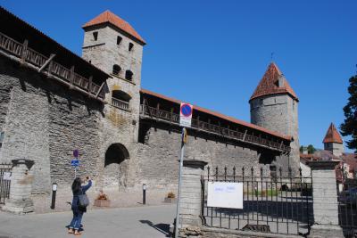 エストニアへ! その5 首都タリンの旧市街を囲む城壁へ。