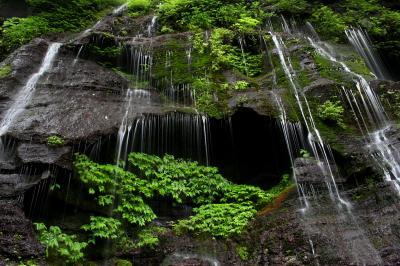 ◆涼風渡る那須塩原・スッカン沢&おしらじの滝