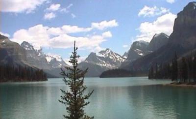 動画 カナディアンロッキー マリーン湖クルーズ/ドライブ2編/モレーン湖/エメラルド湖。