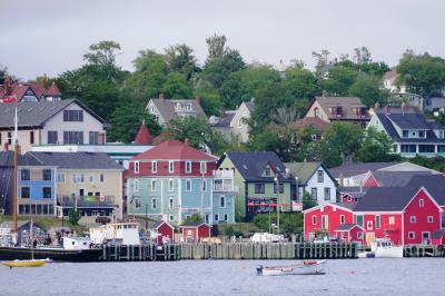 413-還暦記念旅行で半世紀をかけた夢、「赤毛のアン」のプリンスエドワード島でアンになる!…⑨世界遺産の可愛らしい街「ルーネンバーグ」