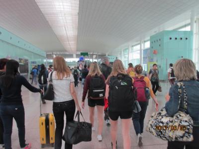 イベリア周遊の旅(6)バルセロナ空港到着後地下鉄でホステルへ。