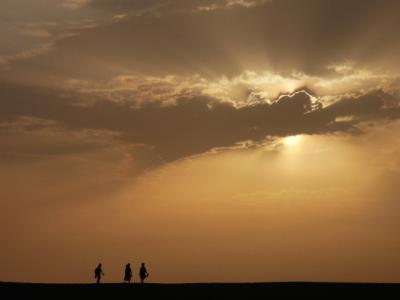 敦煌は遠かった・・・北京経由敦煌の旅 夜明けの砂漠編