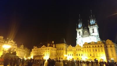 観光客あふれるプラハに