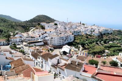 気ままなスペイン一人旅、マラガから白い村フリヒリアナ日帰り観光