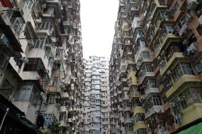 廃墟の集落があるリゾートの島と香港らしい建物を求めた香港めぐり(世界一周東回り11日間のHND-HKG)