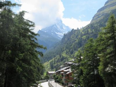 2017年7月 スイス 5日目 その4 ツェルマットの街を散歩 マッターホルン見えるかな・・