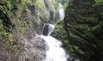 滝が見どころの温泉旅行