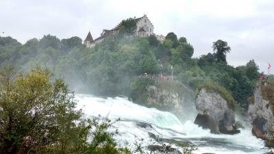 スイスのライン川とラインの滝・・シュタイン アム ライン、シャフハウゼン、バート ツアツァッハ