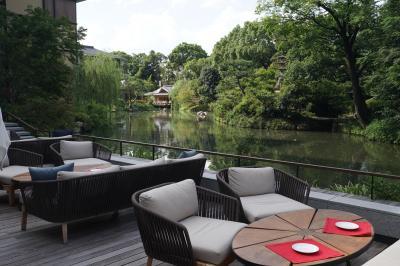 フォーシーズンズホテル京都 【 フォーシーズンズ ルーム キング 】名庭・積翠園の池の畔で素敵な夜を ☆彡