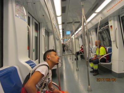 イベリア周遊の旅(14)バルセロナの地下鉄。