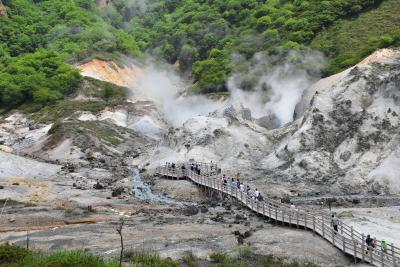 大地の息づかいを感じる登別の地獄谷(北海道)