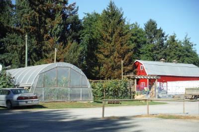 バンクーバー郊外のRV販売店とWillow View Farms