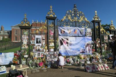 夏のロンドン旅行② BBCプロムス・V&A、サイエンス、自然史と博物館めぐり・ダイアナ妃の命日のハイドパーク